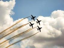 Équipe acrobatique aérienne d'avions à réaction de faucon Photographie stock libre de droits