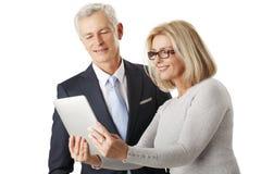 Équipe d'affaires avec la tablette digitale Photos libres de droits