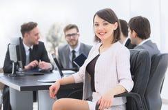 Équipe d'affaires avec un chef de femme sur le premier plan Images libres de droits