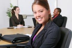 Équipe d'affaires dans le bureau image stock