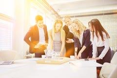 Équipe d'affaires dans un atelier photos libres de droits
