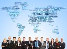 Équipe d'affaires et technologie internationale photo stock