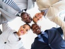 équipe d'affaires regardant vers le bas Photo libre de droits