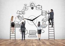 Équipe d'affaires sur des échelles, gestion du temps Photo stock