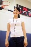 Équipe de basket féminine d'Of High School d'entraîneur Image libre de droits