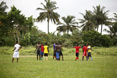 Équipe de football africaine pendant la formation Photos libres de droits