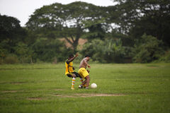 Équipe de football africaine pendant la formation Image stock