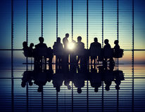 Équipe de gestion lors d'une réunion photographie stock libre de droits