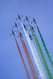 Équipe de neuf aéronefs acrobatiques aériens Image stock