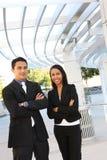 Équipe diverse d'affaires à l'immeuble de bureaux Photographie stock