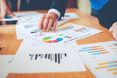 Équipe Doing Business de travail d'équipe comme unité de réunions de Team Corporate Images stock