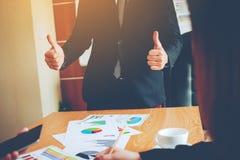 Équipe Doing Business de travail d'équipe comme unité de réunions de Team Corporate Photographie stock libre de droits