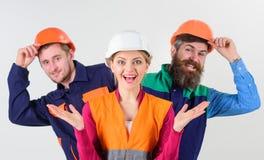 Équipe et concept de direction Équipe d'architectes, constructeurs, jeter un coup d'oeil de travailleurs Photo libre de droits