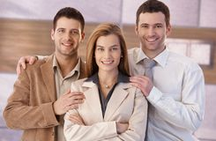 Équipe heureuse de jeunes hommes d'affaires Image libre de droits