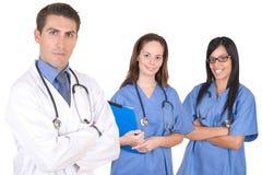 Équipe médicale amicale - membres du personnel soignant Photographie stock libre de droits