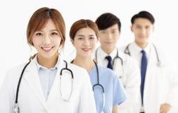 équipe médicale, médecins et infirmières asiatiques image stock