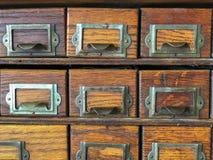 Équipement antique d'organisation de tiroirs de dégagement de stockage photos stock