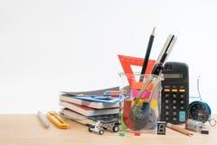 Équipement d'éducation de TIGE, la Science, technologie, ingénierie, mathématiques image libre de droits