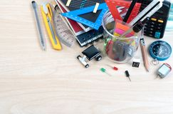 Équipement d'éducation de TIGE, la Science, technologie, ingénierie, mathématiques photos libres de droits