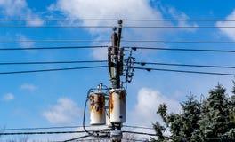 Équipement d'alimentation de Rusty Electric prêt à se retirer image libre de droits