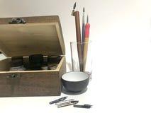 Équipement d'art de trousse d'outils de calligraphie du ` s de débutant images libres de droits
