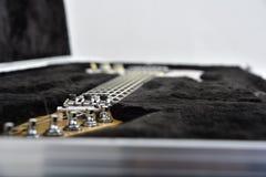 Équipement d'effets de guitare sur le fond blanc images libres de droits