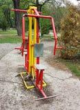 Équipement d'exercice en parc public Photos stock