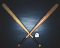 Équipement de base-ball sur la surface en bois foncée Photographie stock