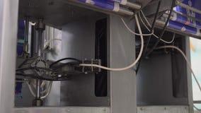 Équipement de boxe de lait à l'installation laitière clips vidéos