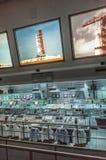 Équipement de Centre de contrôle de la mission des années 1960 d'Apollo sur l'affichage en Kennedy Spa Image stock