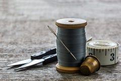 Équipement de couture, outils Images stock