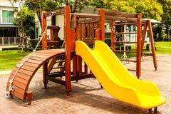 Équipement de glissière d'escaliers d'enfants photo libre de droits