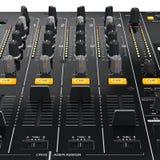 Équipement de mélangeur du DJ de panneau de commande, vue étroite Photo stock