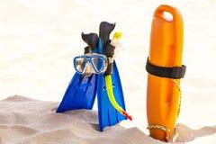 Équipement de plongée sur la plage Photographie stock libre de droits