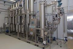 Équipement de purification d'eau sur l'usine de Solopharm images libres de droits