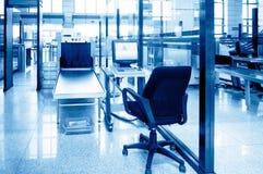 Équipement de sécurité dans les aéroports Photo libre de droits