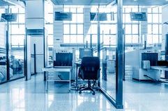 Équipement de sécurité dans les aéroports Image libre de droits