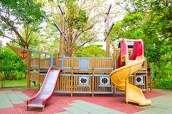 Équipement de terrain de jeu d'enfants Photo libre de droits
