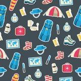 Équipement de touristes de vecteur coloré plat infographic Conception de l'avant-projet de fond d'icônes illustration libre de droits