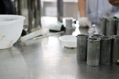 équipement industriel pour le proce fermenté de production de saucisse de proc Image libre de droits
