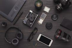 Équipement personnel divers pour le photographe Photos stock