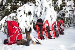 Équipement pour une hausse pendant l'hiver Photographie stock libre de droits
