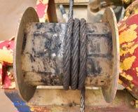 Équipement rouillé de bateau de corde de fil d'acier Photo libre de droits