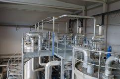 Équipement sec de biogaz d'entreposage en digesteur de boue de réservoirs Images stock