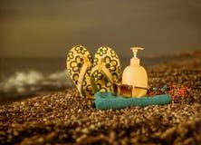 Équipements de plage sur le bord de mer Photo libre de droits
