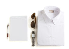 Équipements occasionnels avec des accessoires sur le fond blanc Photos libres de droits