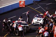 Équipes du stand de ravitaillement de NASCAR Photographie stock libre de droits