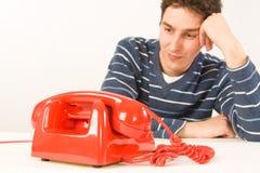 Équipez attendre un appel Photos stock