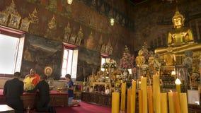 Équipez cet hommage de salaire fond de moine et de Bouddha à image Photo libre de droits