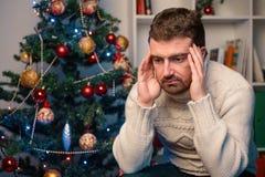 Équipez l'abattage diminué et isolé pendant le temps de Noël image libre de droits